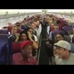 【超ラッキー♪♪】機内で起こったサプライズに乗客大喜び!ライオンキングって・・・・ww